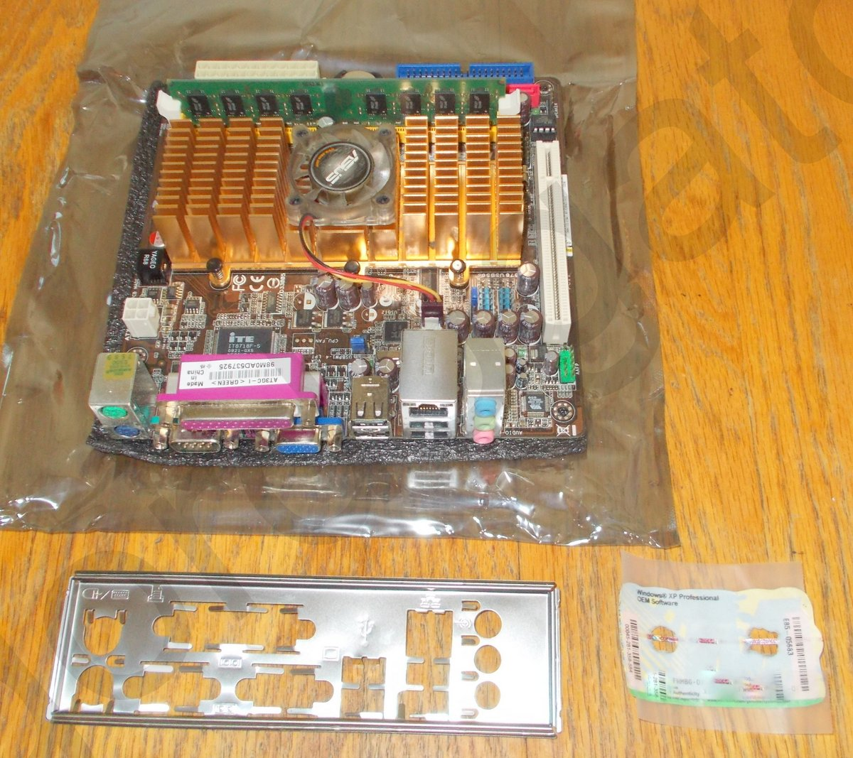 Details about ASUS AT3GC-I Mini-ITX Motherboard, 2GB RAM, Windows XP on